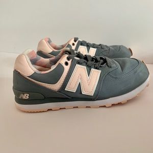 New Balance 574 Kids Grey and Pink Shoes Size 4
